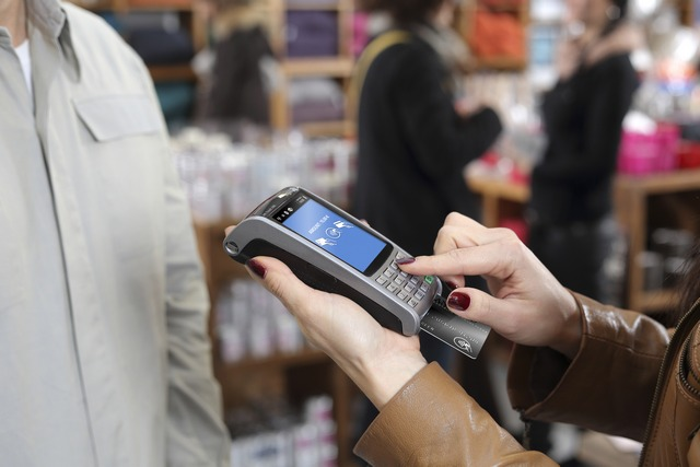 Mobile Point of Sale (mPOS)/Pay-at-the-Table: Enhancing guest experiences with mobile and flexible payment acceptance